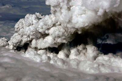 Berita terkini letusan gunung di islandia