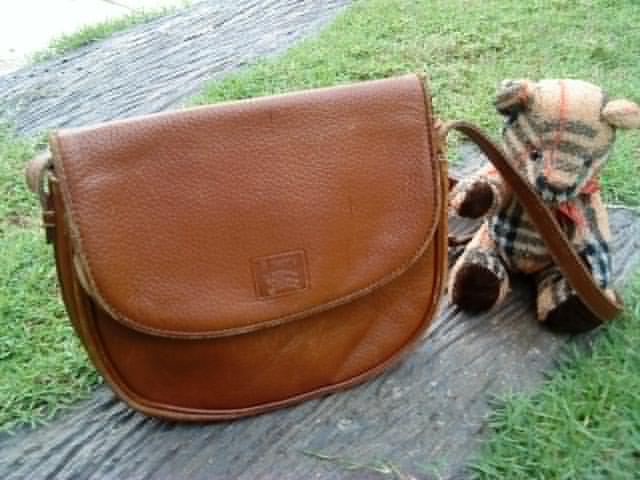 3df63658f369 Burberrys Vintage Sling Bag(SOLD) ~ bundlebarangbaek4