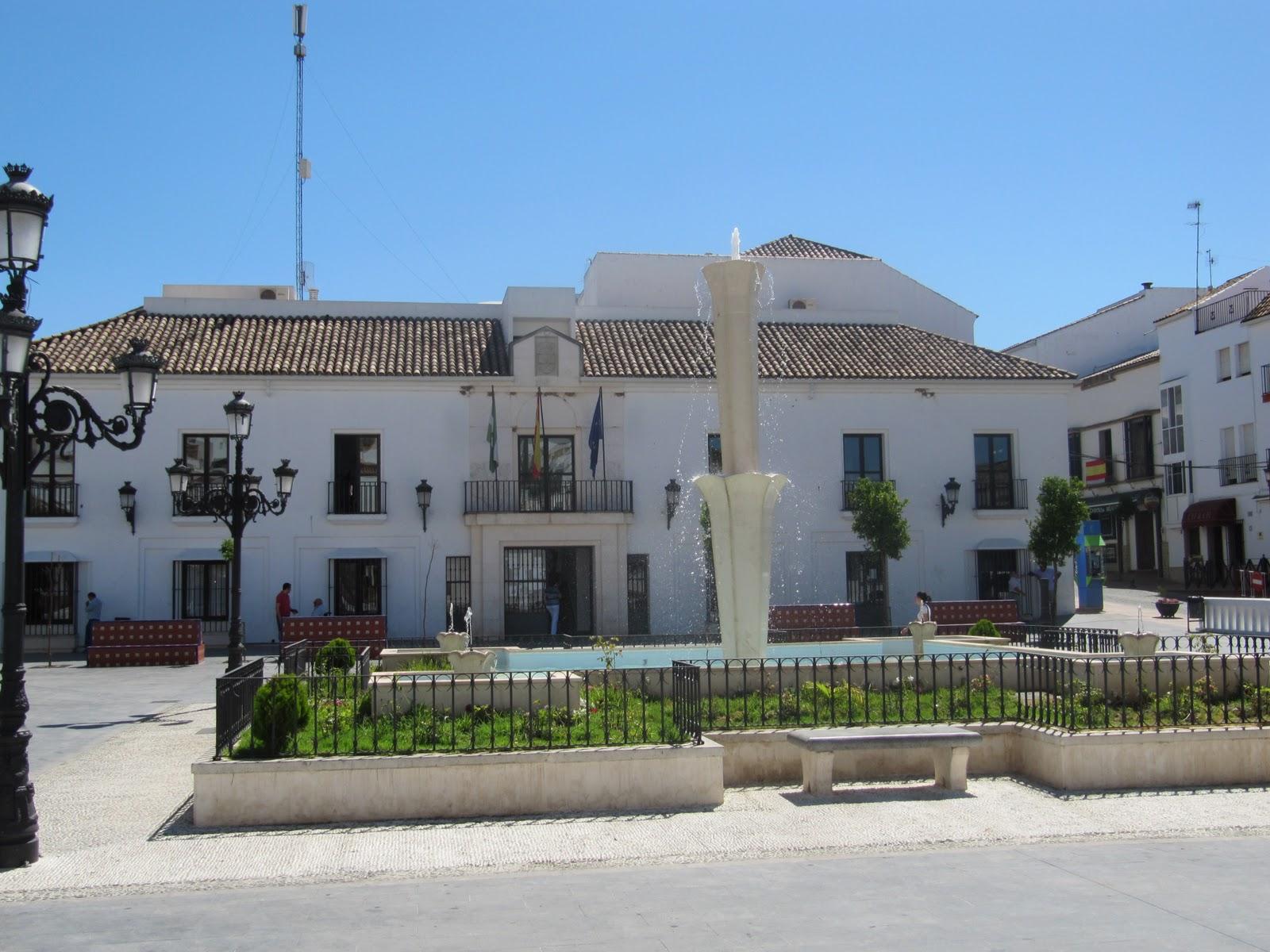 Culiblanco por francisco nieto plaza ayuntamiento for Calle prado del rey conil