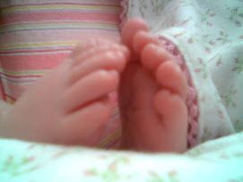 Tiny feet and perfect toes!