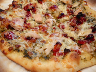chicken sun-dried tomato pesto pizza