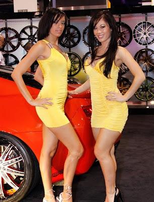 Chica completamente coches tuning con chicas desnudas 77