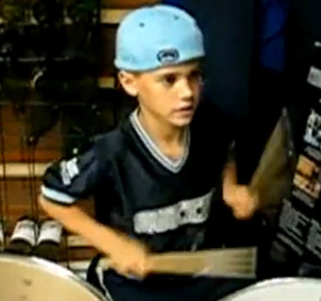 Justin Bieber on Self Taught  Justin Bieber  Then 9  Demonstrates His Ability On The