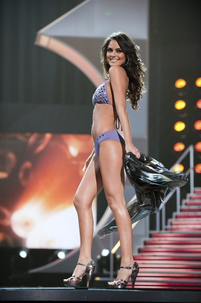 Miss Mexico Jimena Navarrete competes in her Dar Be Dar swimsuit during the