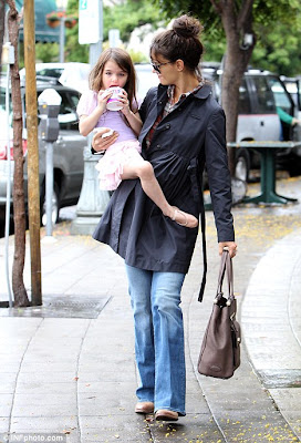 Katie Holmes on Is Tutu Cute As Katie Holmes Takes Her To Dance Class   Coolfwdclip