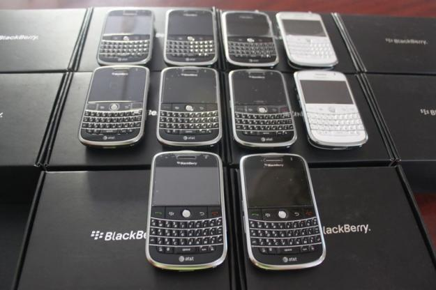http://2.bp.blogspot.com/_tFsVqKHypR4/TMdTz8zVjNI/AAAAAAAAACY/sg6sPwk24PY/s1600/1281299761_112922115_4-ponsel-blackmarket-Dijual-1281299761.jpg