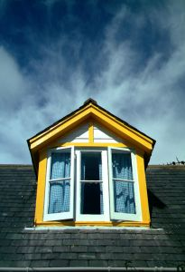 [1033245_clear_blue_window.jpg]