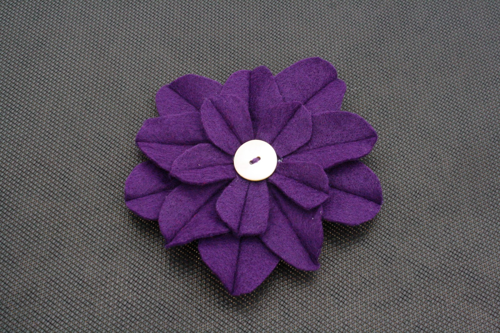 Tres French Hens Felt Flower Tutorial