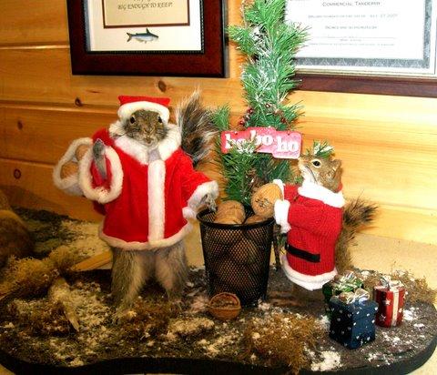 Mátame, camión! (El Tópic de la Taxidermia Chunga) - Página 11 Christmas_squirrels