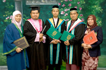 Portrait Family Graduation