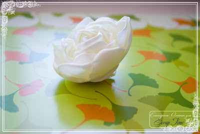 accessories bridal: rose and tissue