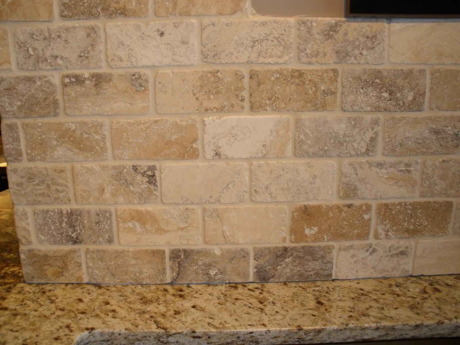 international st louis tuscan wave backsplash in stl showroom