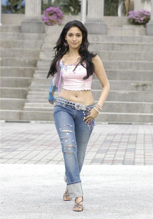 Tamanna Hot tamil and telugu item girl exposing sexy