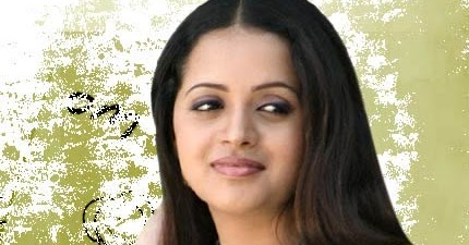 bhavana exposing back side pose image picmania2 actress