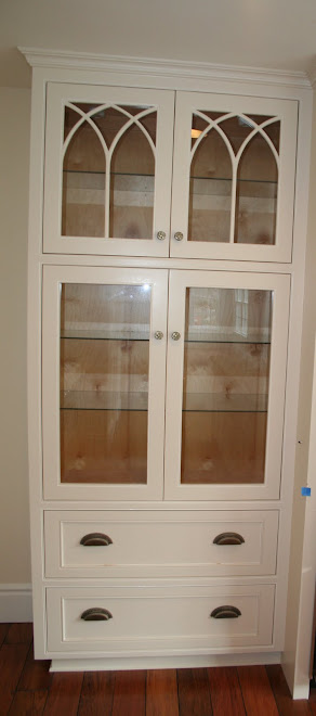 China Cabinets Available to Suit