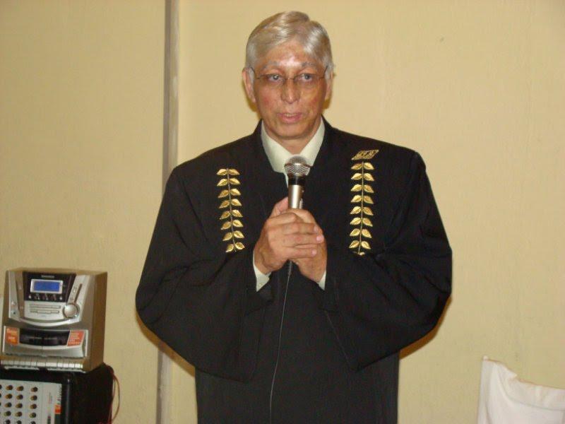 Prof. Dr. Màrio Carabajal