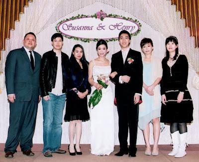 左起: 肥仔, 倫, peggy, 新娘, 新郎, 我, kayee