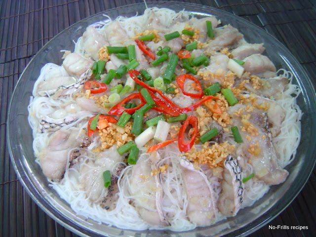 Steamed fish fillet with rice vermicelli for Rice dishes with fish