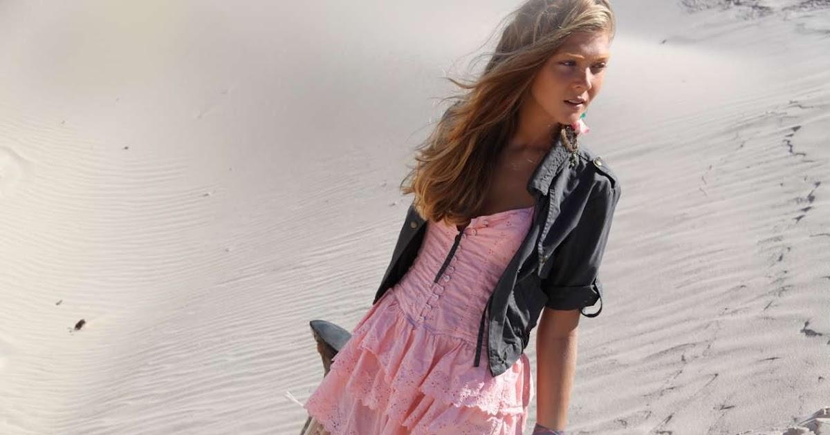 En Mi Mundo - Martina Stoessel [Violetta] HD {Audio} - YouTube