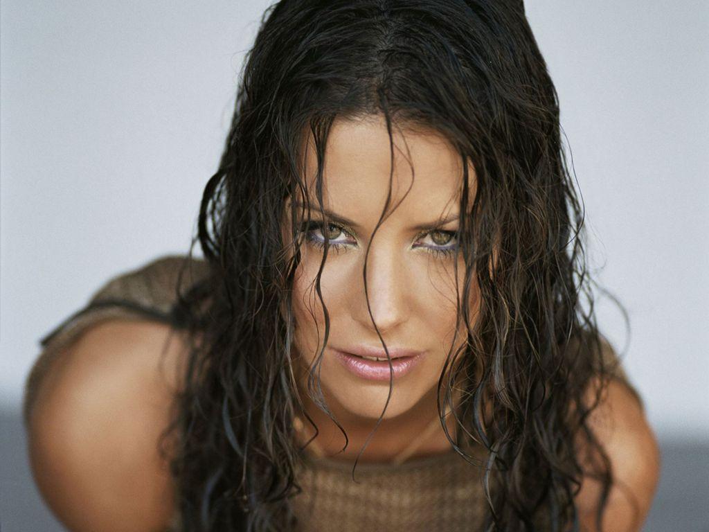 http://2.bp.blogspot.com/_tPQgapqyfhk/TVDdc-coT-I/AAAAAAAAA6g/KpMR2HJXg54/s1600/Evangeline_Lilly__.jpg
