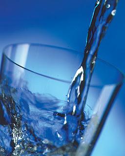 Khasiat manfaat terapi minum air putih