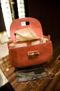 1m54s para saber como é feita uma bolsa Gucci