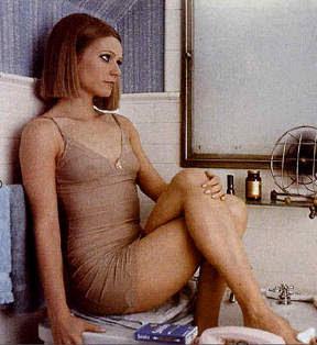 Gwyneth Paltrow  sexy legs