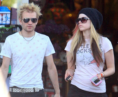 Avril Lavigne is Divorcing Deryck Whibley images
