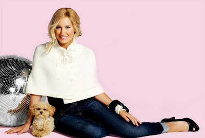 Ashley Tisdale – Puerco Espin Fall 2009 Catalog sexy pictures