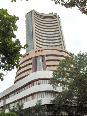 Reliance Media World to List on Stock Exchanges photo