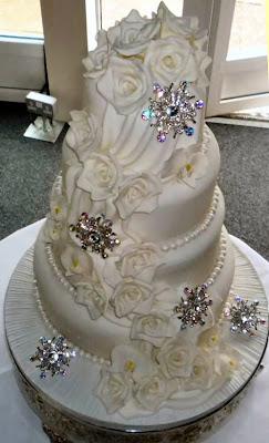 Wedding Cake Decorations Diamante : wedding cakes by franziska: Diamante cake