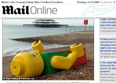 Um dos irmãos Brain perdido numa praia inglesa
