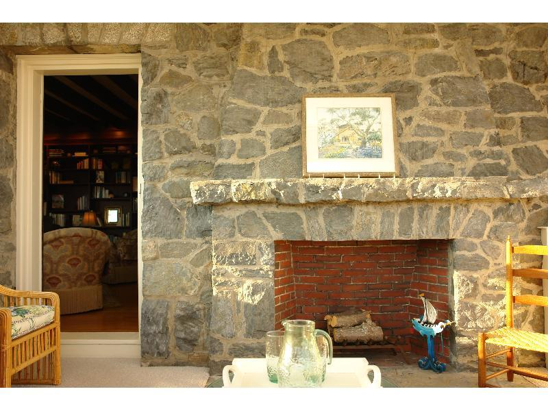 Willow decor the beauty of sea cliff for Beauty stone fireplaces