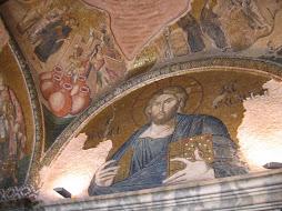 Extremely beautiful fresco's and mosaics!