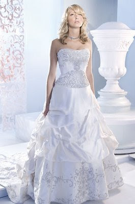 Wedding Gown for a Beautiful Day