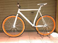 Sepeda Fixie identik dengan gaya minimalis