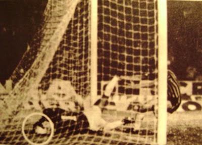 Campeonato Brasileiro 1981: Grêmio x São Paulo (1a partida da final)  Gol+da+vitoria+primeiro+jogo+da+final