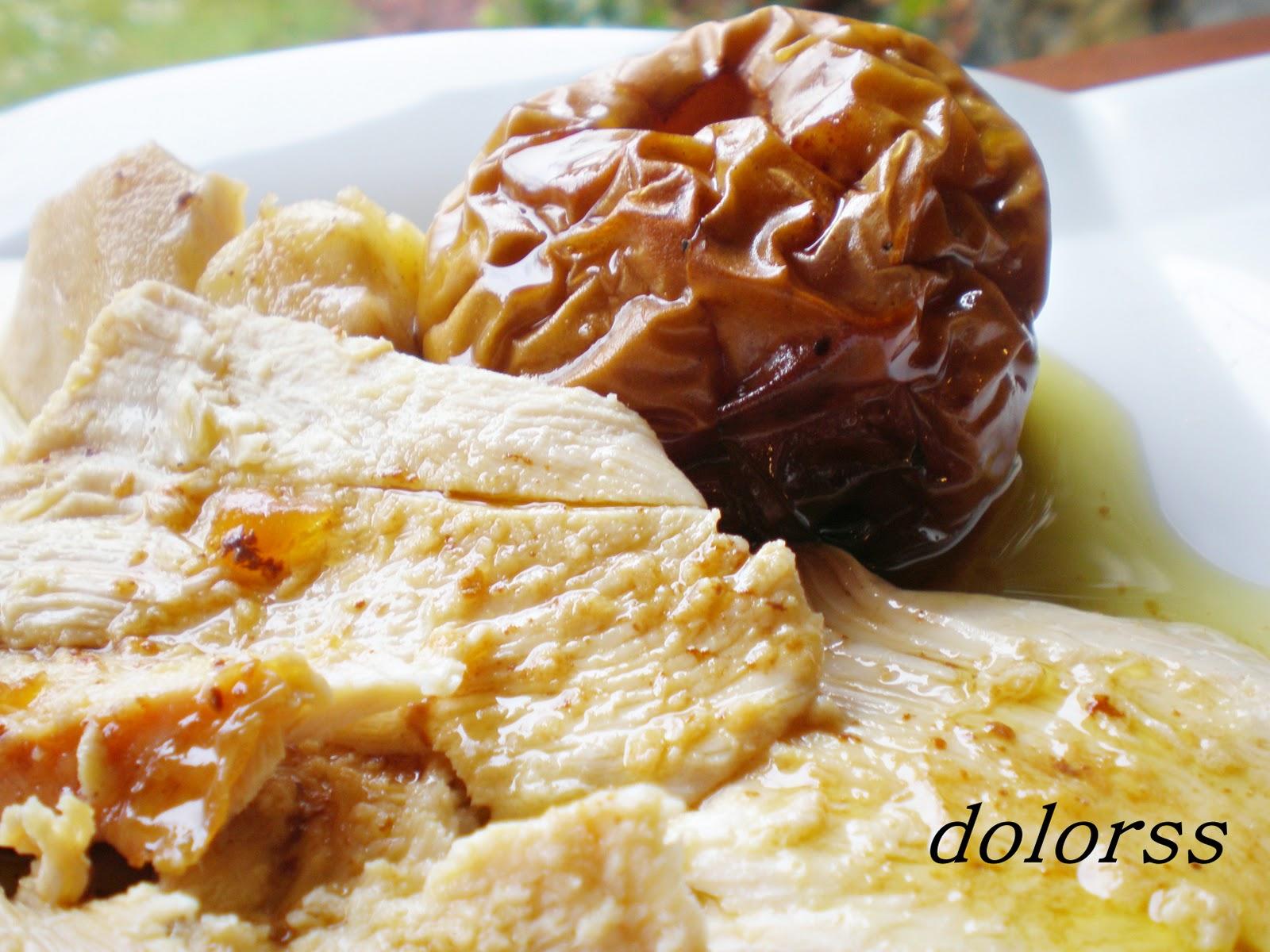 Pollo de corral relleno de manzanas (Horno de leña)