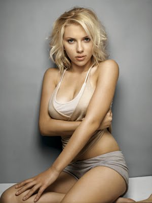 Bra scarlett johansson Scarlett Johansson's
