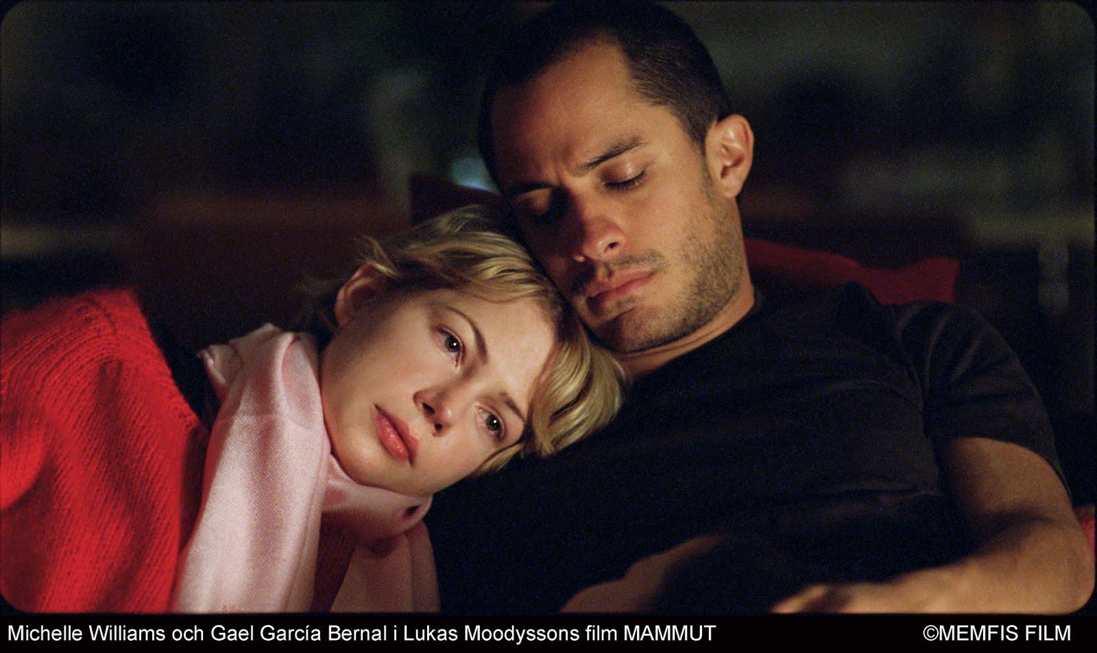 http://2.bp.blogspot.com/_tZg6lwUCPOo/TL7rsEVxnNI/AAAAAAAABgw/41KRbxYnwlQ/s1600/Gael+Garcia+Bernal+y+Michelle+Williams+dirigidos+por+Lukas+Moodysson+en+el+film+sueco+Mammoth.jpg