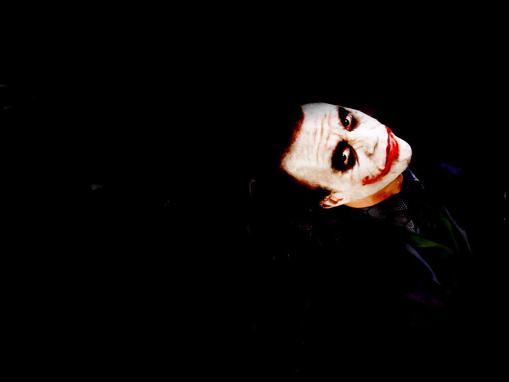 http://2.bp.blogspot.com/_t_DqCH0VX5I/TBQo_Eyr-NI/AAAAAAAAASs/oQgsEwBa3VQ/s1600/the-joker-1024-768-black-9a.jpg