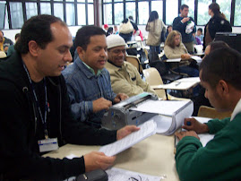 Prof. Marcelo e alunos com deficiência visual.