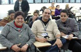 Profº Marcelo com alunos com deficiência visual