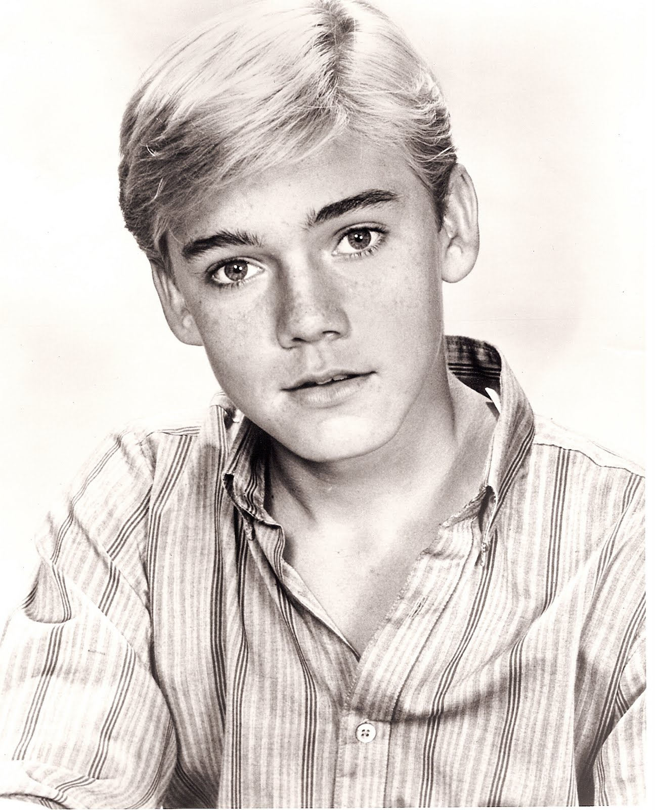 sc00469b33 At 14years old you were every teenage girls dream boat including mine.