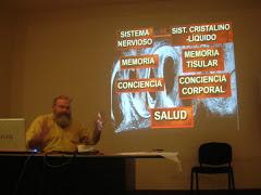 Dr. Jorge Kaczewer en el Aula Magna del Hospital Houssay Vicente Lopez