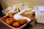 Arepitas dulces con nata y queso