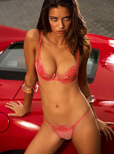 Adriana Lima sexy photo