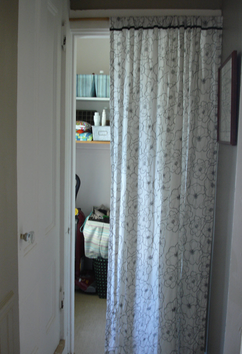 Loft cottage tuesday tip curtains as doors - Curtain for kitchen door ...