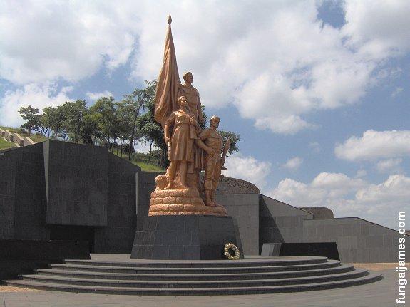 Los pueblos africanos requieren a Corea Popular para que les construyan sus monumentos Zimbabwe