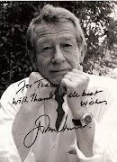 OBS: John Hurt fez filmes como 1984Winston Smith; O homem elefante; .